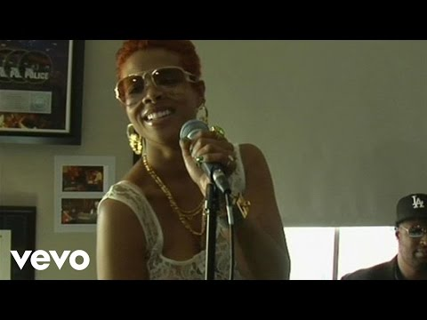 Kelis Live at the Cherrytree House Part 2