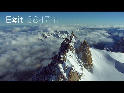 Лудаци со костими за летање скокаат од Алпите, од 3.847 метри надморска височина