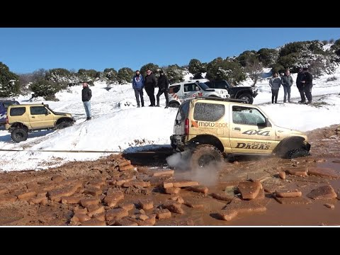 Suzuki Jimny vs snow and ice