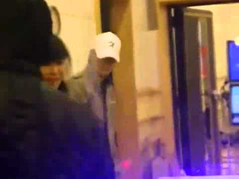 Donghae cutely kissing Eunhyuk after Sukira - COMPLETE FANCAM