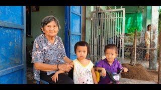 Mẹ chết, cha bỏ đi, 3 đứa trẻ côi cút bên ngoại già 80 tuổi