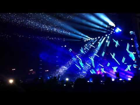 Shogun feat. Melissa Loretta - Skyfire (Original Mix). Armin van Buuren Live @ Electric Zoo 2011.