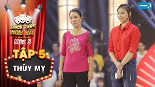 Thách thức danh hài 5| Tập 5: Trường Giang cười ôm bụng với thí sinh bị mẹ đánh đỏ mặt trên sân khấu