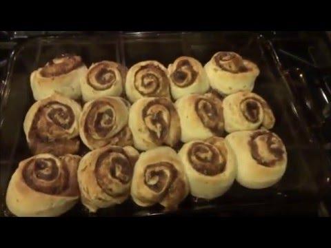 VlOGUST DAY 20- Cinnabon Cinnamon Rolls