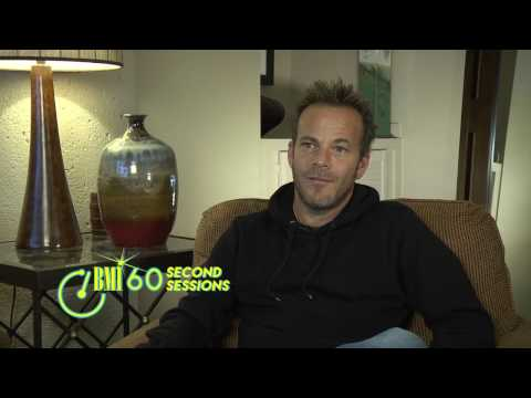 Stephen Dorff on Songwriting, Social Media & Singing in the Shower   60 Second Sessions