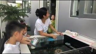 Ốc Thanh Vân ngày nghỉ ở nhà chơi đùa với các con vui quá