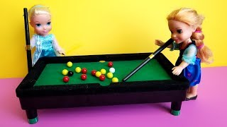 2019 New Year's party ! Elsa & Anna toddlers - pool game - karaoke singing - Barbie - dance