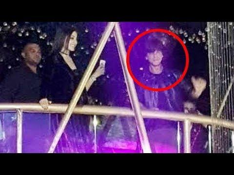 Shah Rukh Khan and Anushka Sharma LIVE dance Performance in Club!