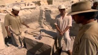 Kto postavil pyramídy