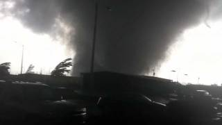 Tuscaloosa Tornado filmed from University Village in SW Tuscaloosa.