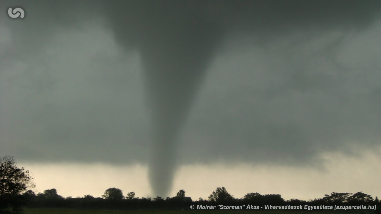 storm chase f1 tornado near g t r hungary 20th of may 2008 youtube. Black Bedroom Furniture Sets. Home Design Ideas