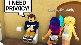 PAYING PEOPLE TO DO WEIRD THINGS IN ROBLOX BLOXBURG!