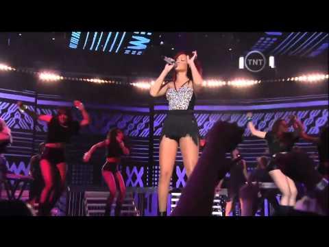 HD Rihanna   NBA All Star Game 2011 Full Halftime Show