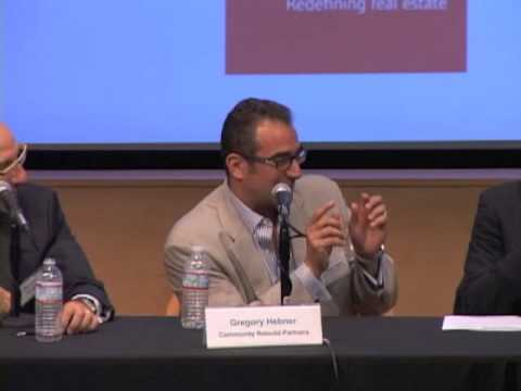 Single Family Takes Center Stage at UCLA Anderson School