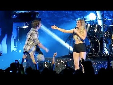 Ellie Goulding Fan backflips on Stage - I Need Your Love Atlanta, GA
