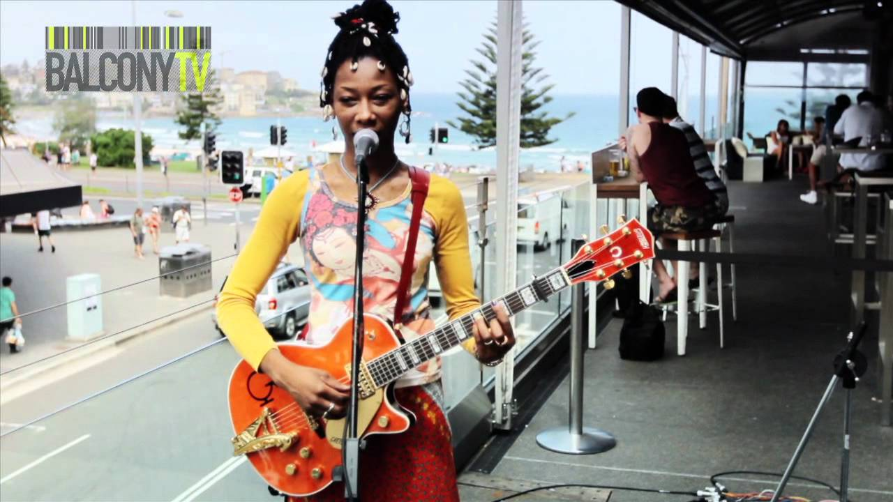 fatoumata diawara sowa balconytv youtube. Black Bedroom Furniture Sets. Home Design Ideas