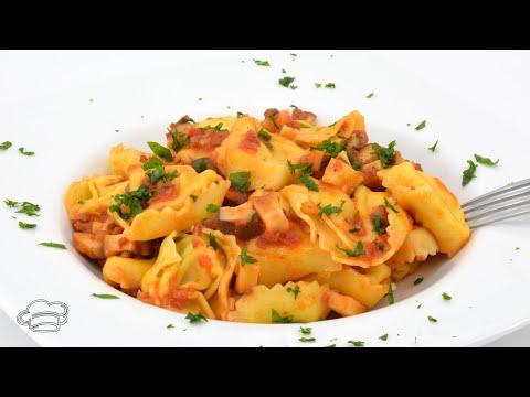 Receta de tortellinis de queso con setas y salsa de tomate