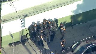 RAW VIDEO: Silver Lake Trader Joe's barricade suspect in custody after he, hostages emerge | ABC7