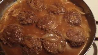 #cooking Hamburger patties with onions and gravy