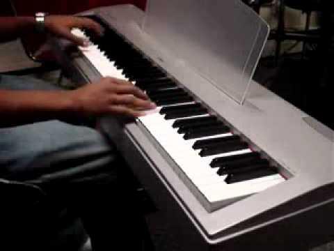 Me Dice Que Me Ama -- Jesus Adrian Romero (piano).flv