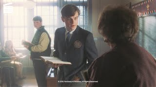 Catch me if you can: Pretending to be a substitute teacher (HD CLIP)
