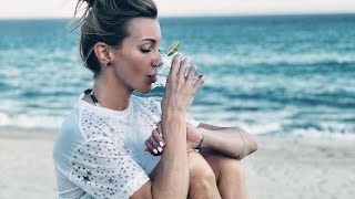 Katie Cassidy Plays Infinite Warfare - ( I don't play this game)