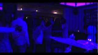 Bekijk video 5 van Shuffle op YouTube