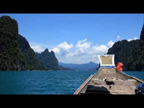 le lac de chiew lan dans le parc de khao sok