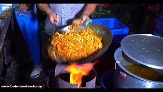 Insane Chinese Cooking Skills   Amazingly Delicious Street Food in India