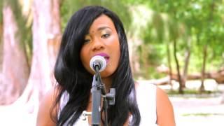 Queen Bee - Mennen'm lwen  (Official Music Video)