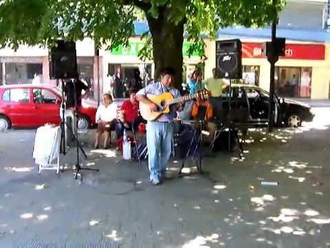 Baixar Valsecito Peruano en plaza de Osorno por Francisco Vargas.MOV
