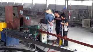 Máy nắn thẳng cắt đoạn tự động sắt,inox... loại 4-8mm,tại c.ty bê tông Bảo Quân,Vình Phúc.0978949439
