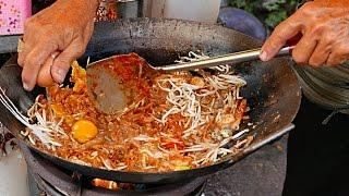 Penang Street Food - PRAWN AND EGG CHAR KWAY TEOW Malaysia