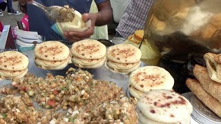 Chole Kulche for Rs 10 (0.15$ ) | Cheapest Chole Kulche in Ludhiana | Indian Street Food