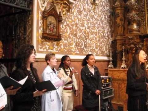 Baixar Gen verde canta  en la Basílica de la Virgen de las Angustias.Granada.