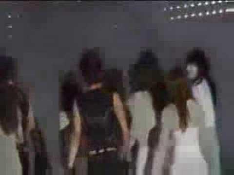 xiah and TaeYeon(hollywood bowl 2008 scandal)