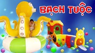 BÉ BÚN CƯỠI BẠCH TUỘC KHỔNG LỒ CHƠI NHÀ BÓNG Fun Indoor Playground for Kids | Creative Kid's
