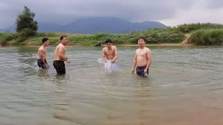 Đưa SVM SCHOOL Về Quê Chủ Tịch SVM Quay Phim - Phần 6: Giải Bơi Ao Làng Cười Đau Bụng Và Cái Kết