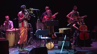 Kasheshi Makena & The Bhutula Band - Like A River Flow