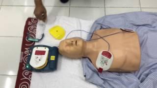 介護実習生 AED実技訓練
