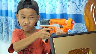 NERF GUN GOLD BUTTON YOUTUBE BATTLE