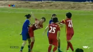 Clip cầu thủ nữ đánh nhau khó tin trên sân Thống Nhất