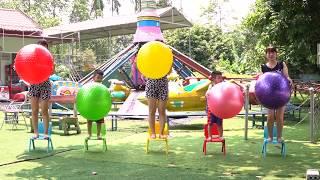 RAFAEL FOI CLONADO - Aprendendo cores com bolas, Five little babies jumping on the bed #3