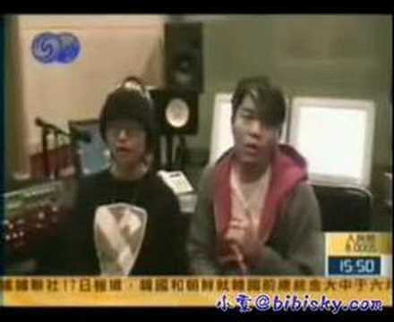 李玖哲為周筆暢擔當製作人二人清唱<解脫>
