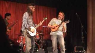 Dave Hum with The Huckleberries - Dueling Banjos