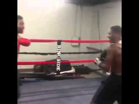 LMAO! Lil Webbie Boxing In The Gym