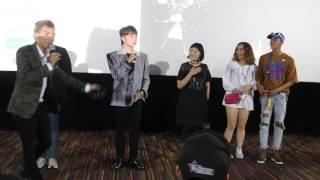 """Sơn Tùng khiến fan cười mệt nghỉ với trò chơi """"bắt gì làm nấy"""""""