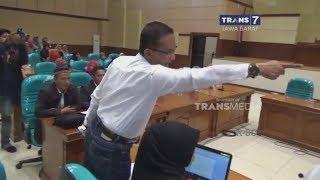 Kebelet Pipis, Anggota DPRD Ribut Dengan Warga