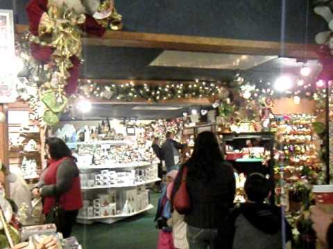 Leavenworth Wa Famous Christmas Store In Bavarian