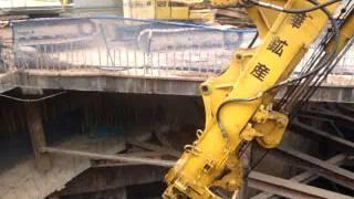 EXCAVATOR CLAMSHELL BUKET 21M TRUONG KY NGUYEN VIETCOMBANK TOWER